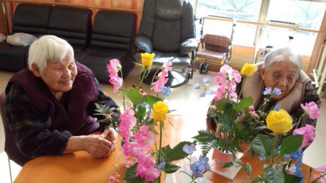 """""""やっぱり 花はきれいかね〜""""と。皆さん、自然と笑顔です。"""