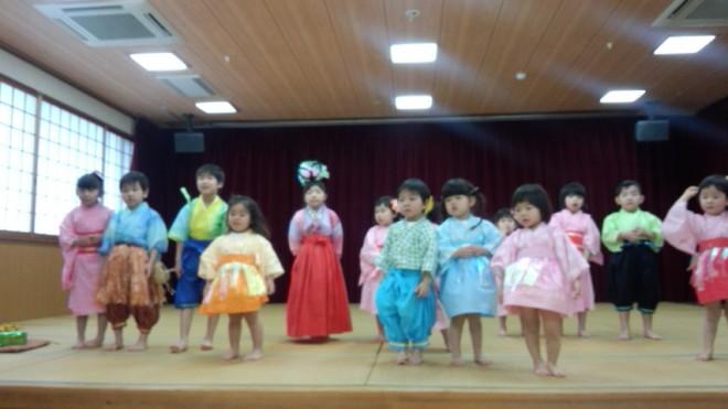 まどか保育園の皆さんが、歌とお遊戯を披露しに来てくださいました!