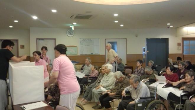 ホールに集まれる方は、ホールに集まっていただきました。